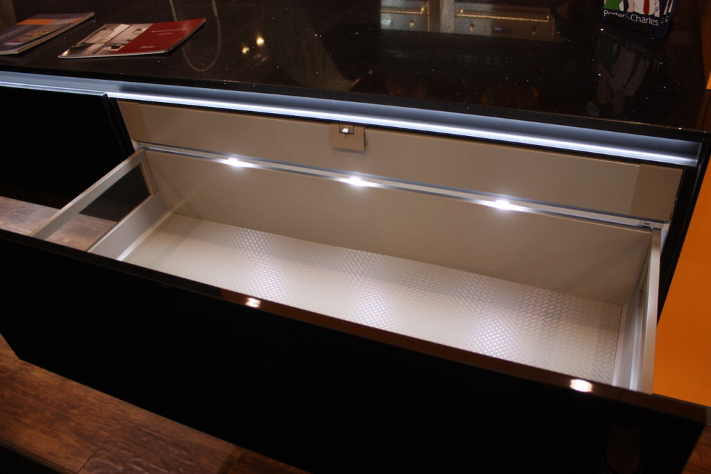bauformat open drawer lighted